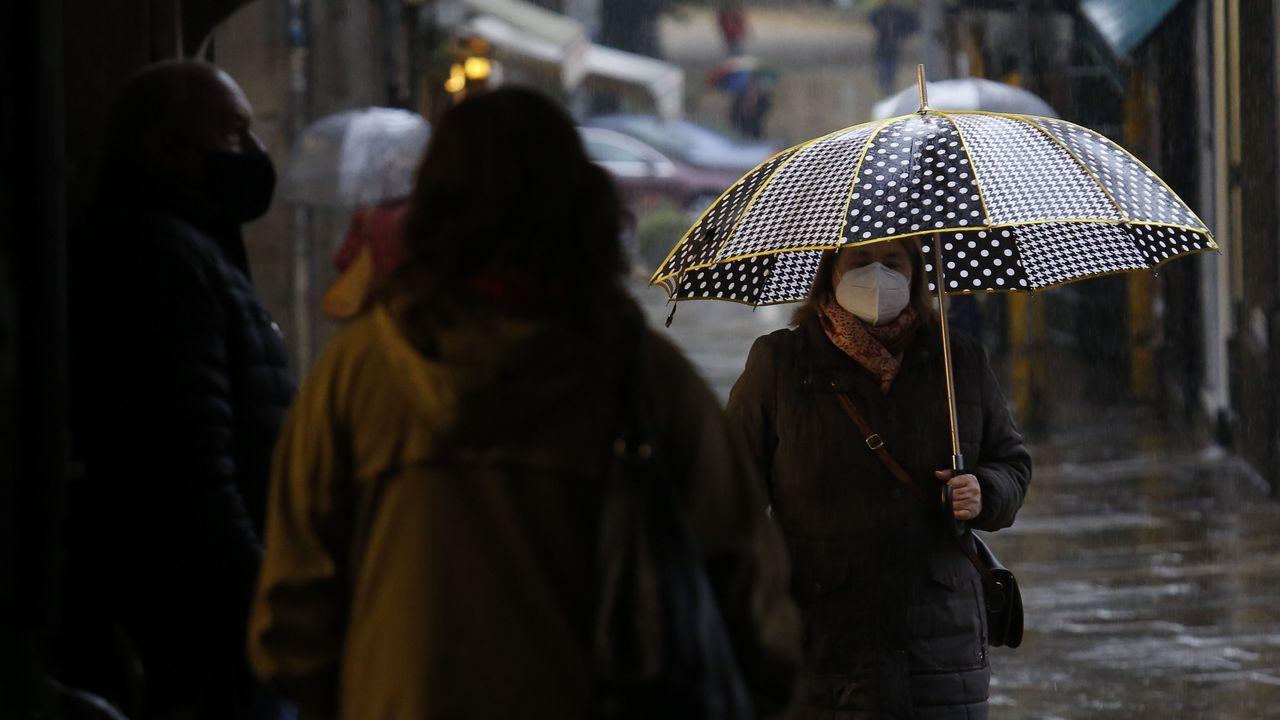 Lluvia este lunes en Santiago
