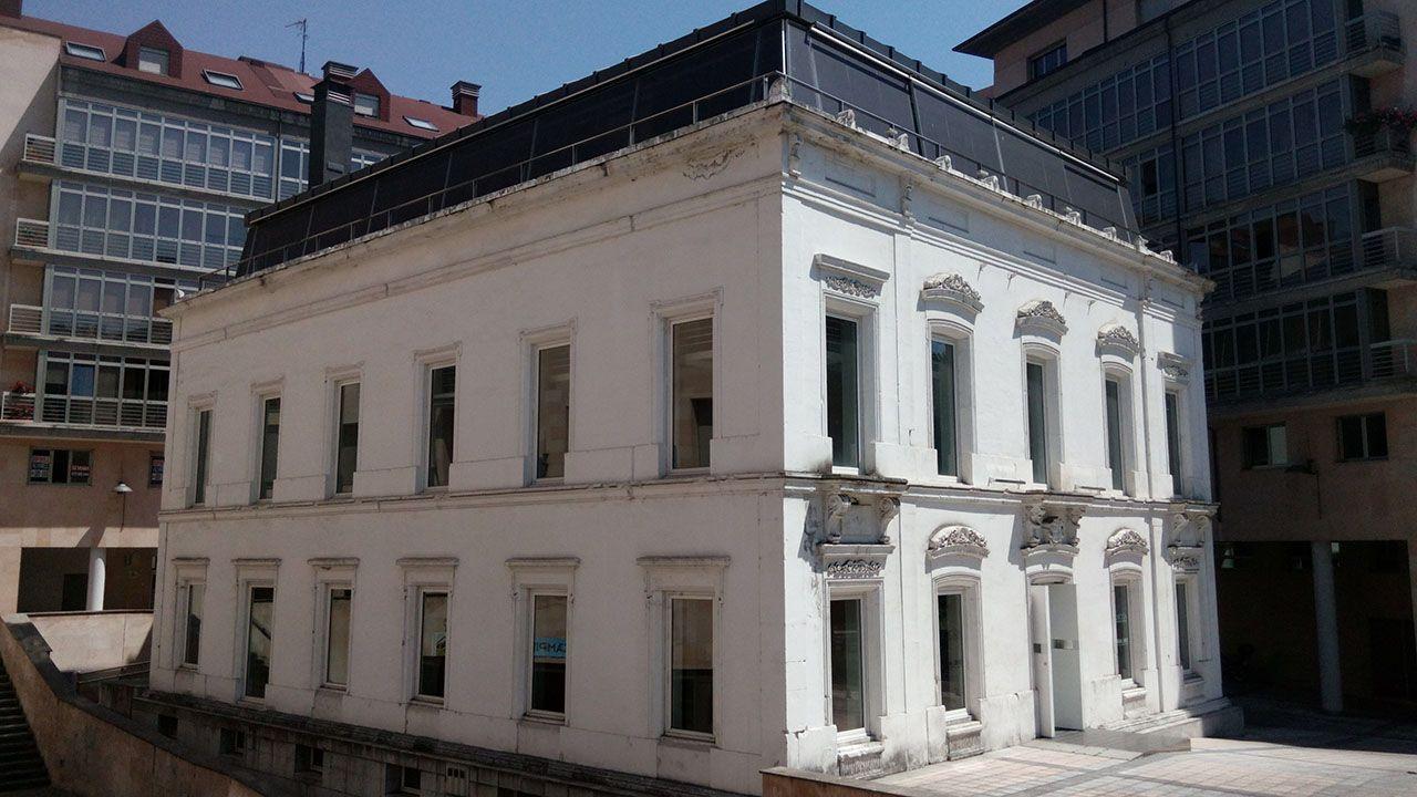 Corina Porro visita las obras de la Ciudad de la Justicia de Vigo.Sede del Colegio Oficial de Arquitectos de Asturias