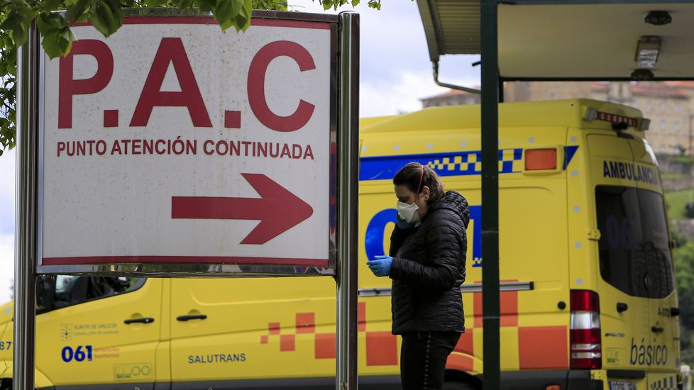 Las fotos de la romería 2002 en el Monte Faro.Entrada al servicio de urgencias del hospital comarcal de Monforte