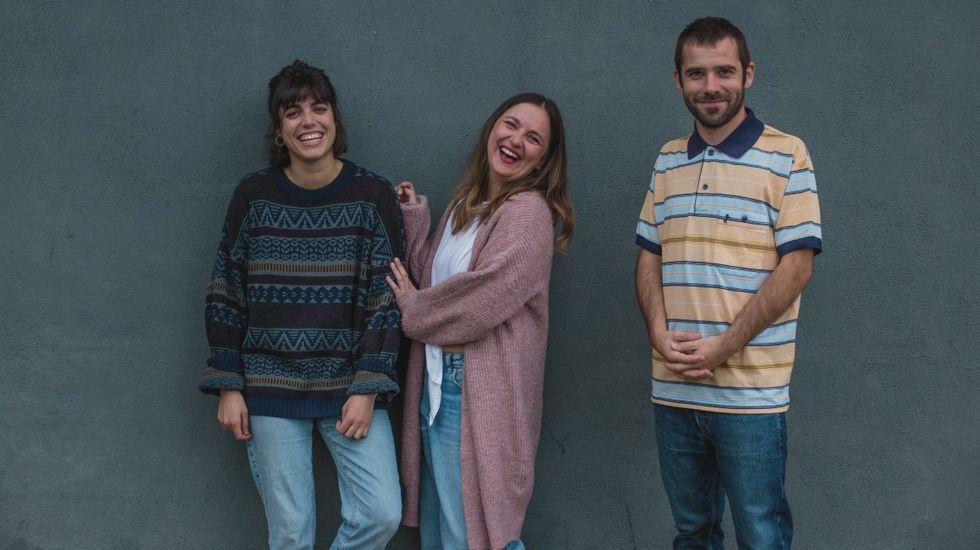 Conciertos Amosando, Anabel Santiago, Eva Tejedor.Grupo de folk fusión Caldo