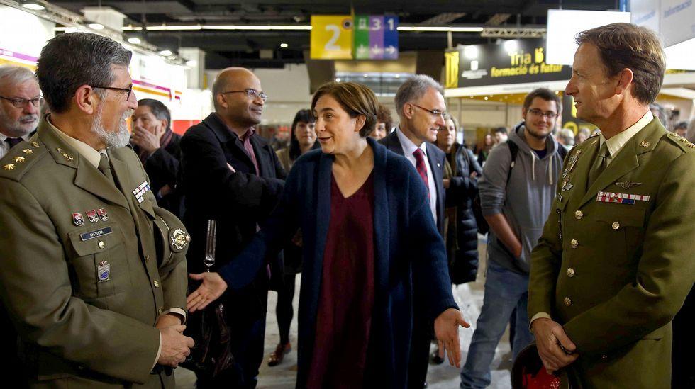 La conversación de Colau con los militares.Homenaje a las víctimas de los atentados del 11-M
