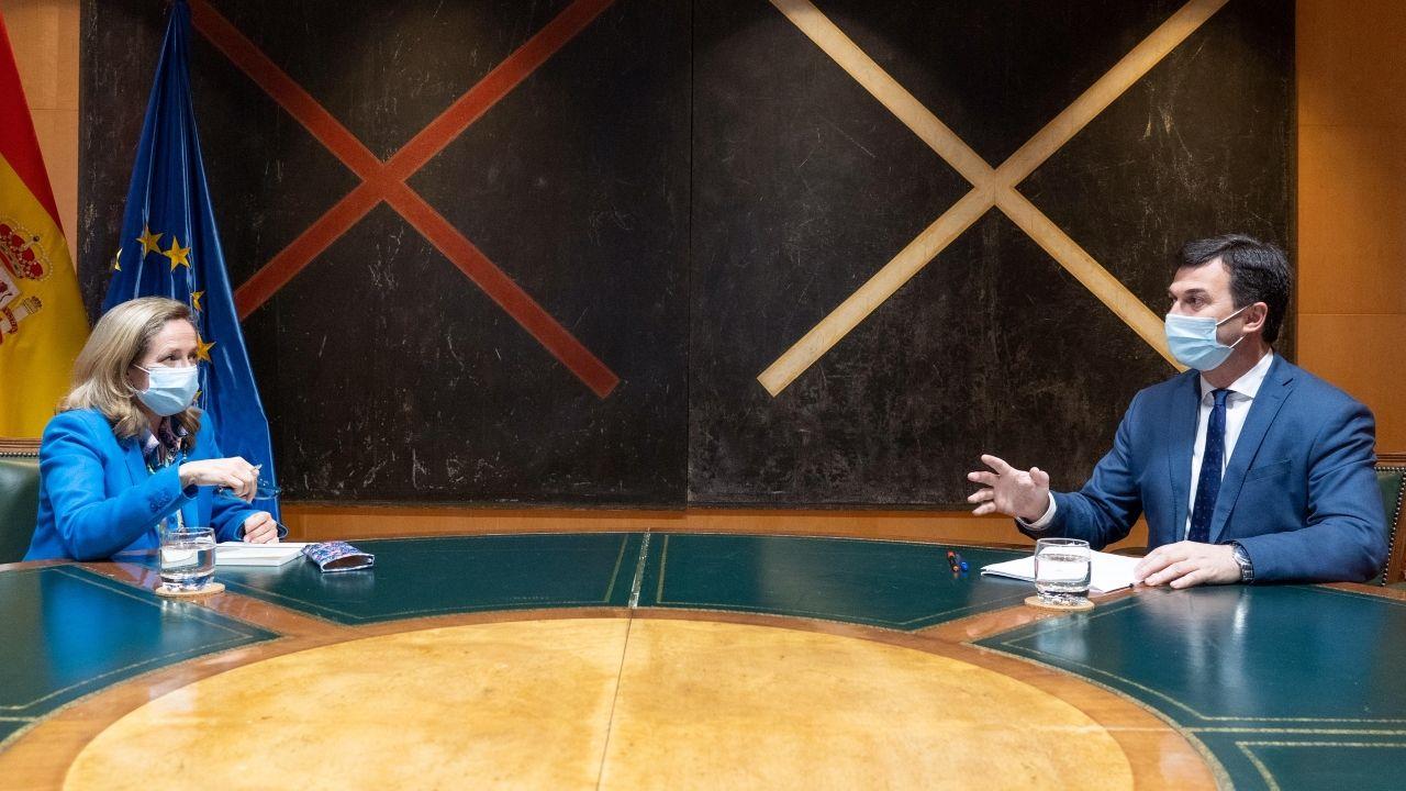 La ministra Nadia Calviño y el secretario general del PSdeG Gonzalo Caballero, en Madrid