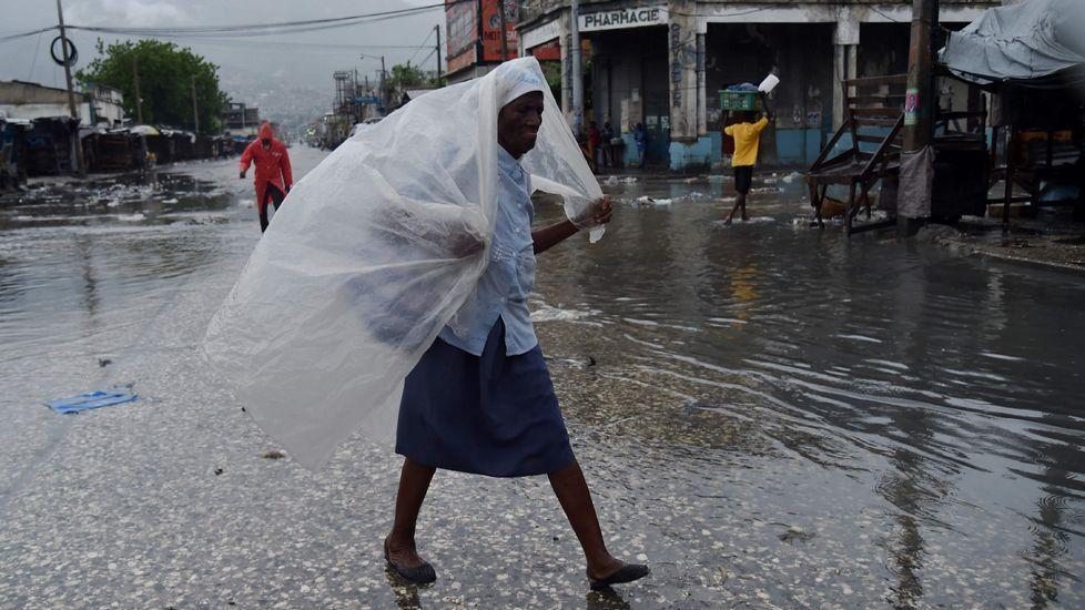 El huracán Matthew descarga su furia enHaití.Los ciudadanos se preparan para la llegada del huracán.