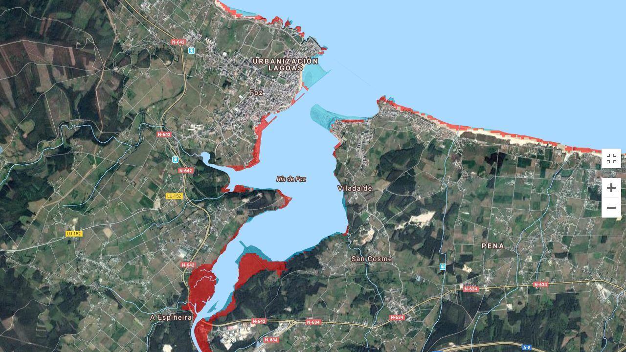 En Vilagarcía el desbordamiento del río del Con anegó por completo todo el centro de la ciudad