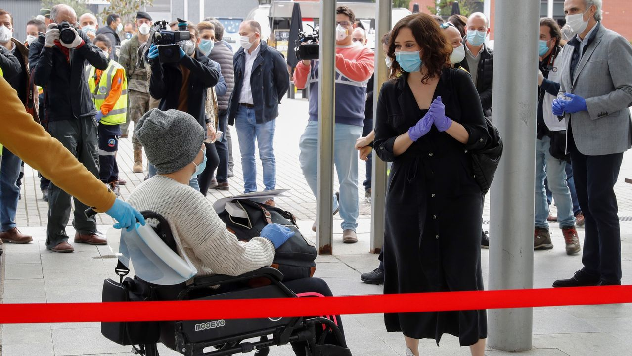 La presidente de la Comunidad de Madrid visita Ifema tras recuperarse del coronavirus
