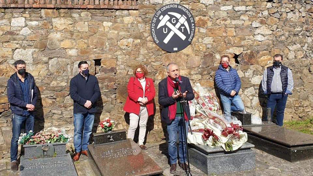Homenaje a Manuel Llaneza en Mieres