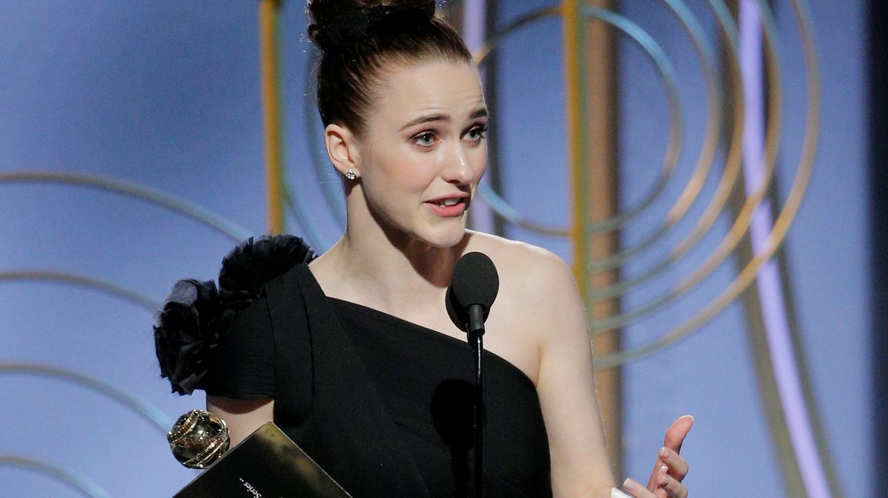 En televisión, mejor actriz de comedia o musical: Rachel Brosnahan, por «The Marvelous Mrs. Maisel».