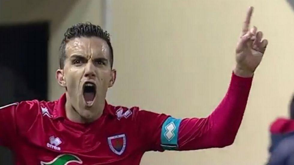 Atrapados en Lanzarote.Julio Álvarez celebra un gol con el Numancia