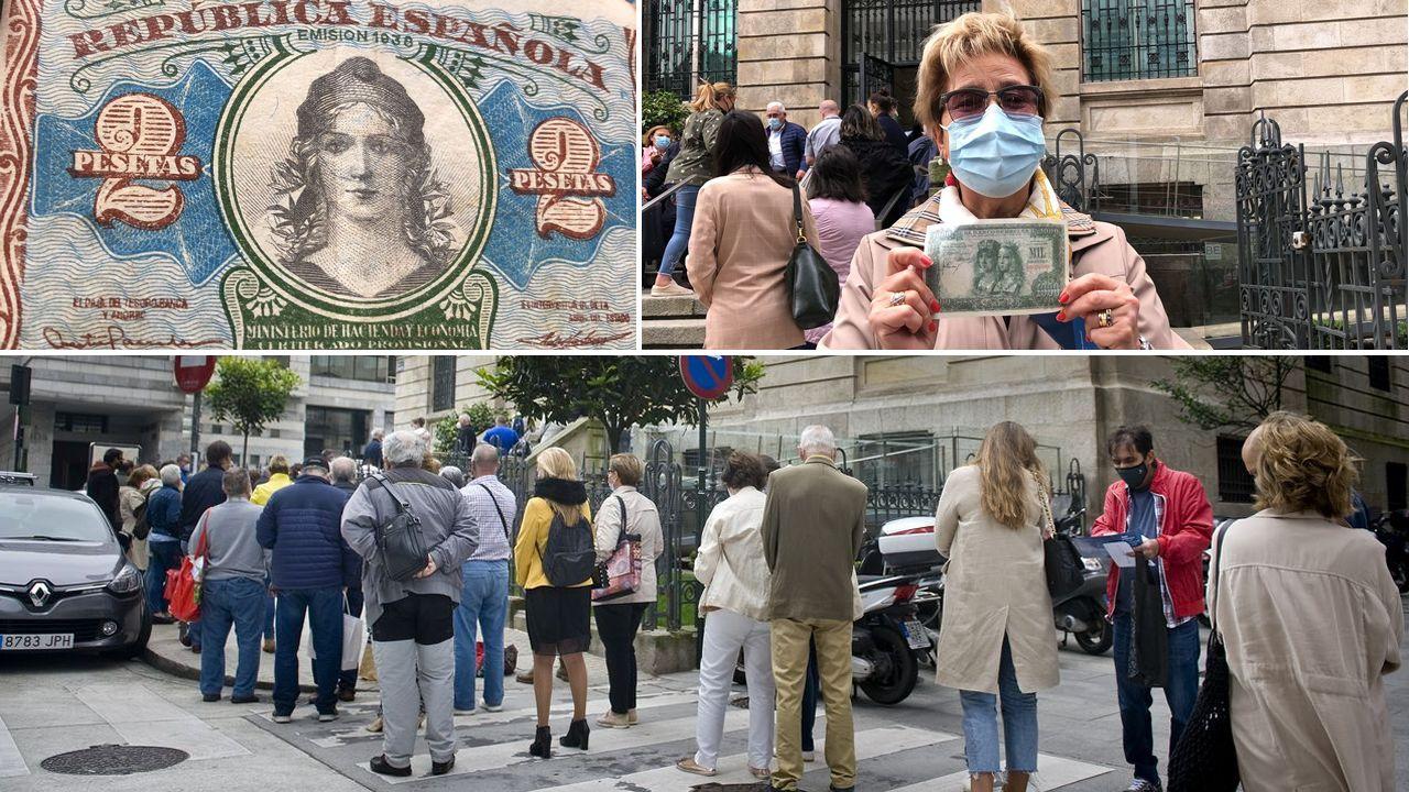 Colapso en el Banco de España, en A Coruña, en el último día para cambiar las pesetas a euros.Rosario de Acuña