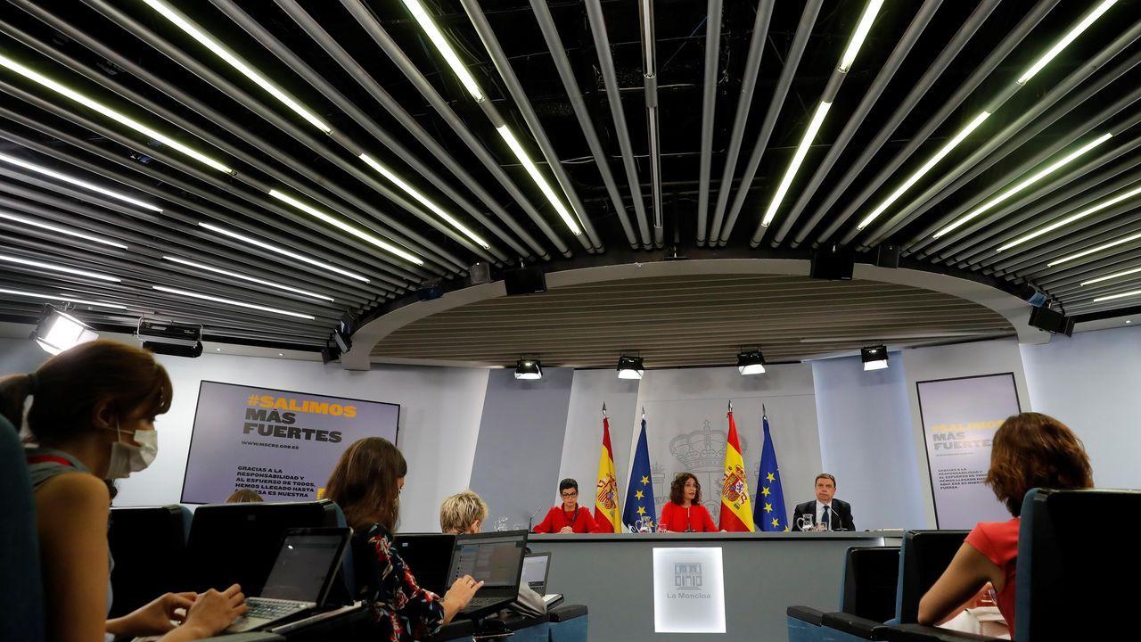 Montero,  Iglesias y Ábalos, durante la rueda de prensa posterior al Consejo de Ministros en Moncloa