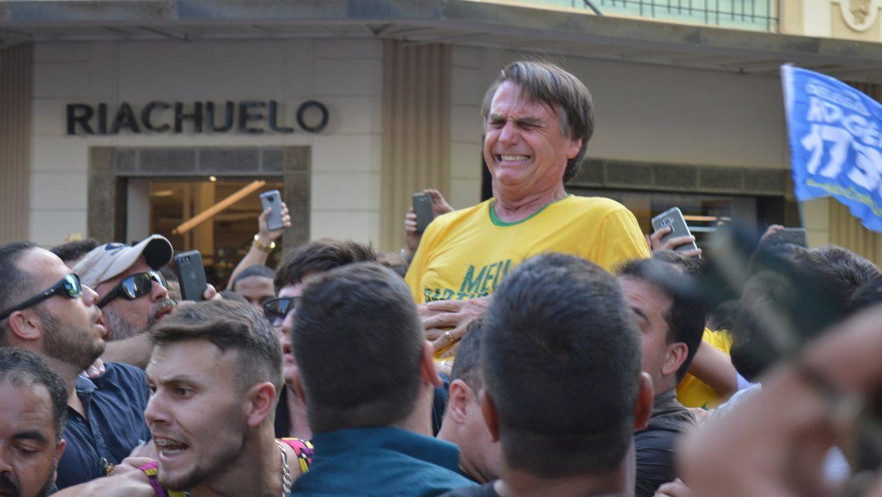 Cientos de mujeres expresan su apoyo al ultra en una concentración en São Paulo