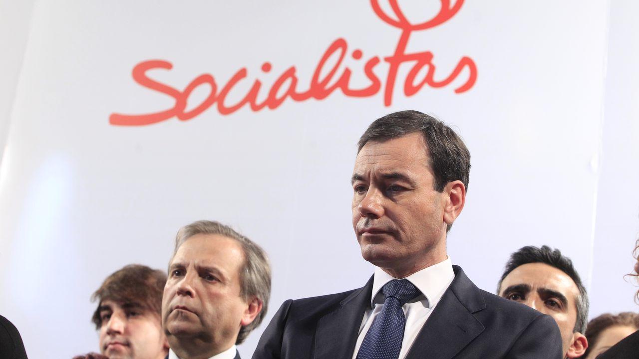 Tomás Gómez, en primer término, fue fulminado por Pedro Sánchez en el 2015 por el caso del tranvia de Parla, que ahora la jueza ha archivado
