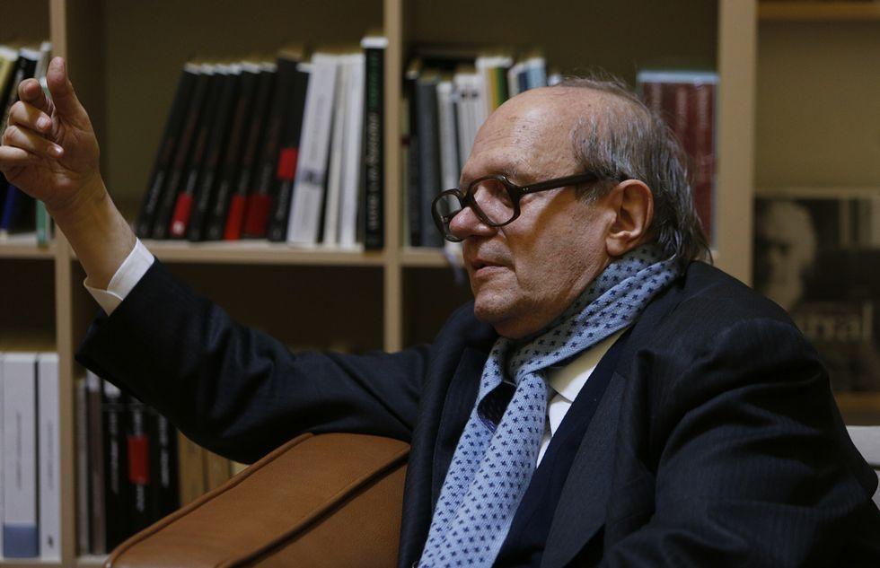 Ambiente de San Juan en la ciudad.Gimferrer, elegido Escritor Galego e Universal.