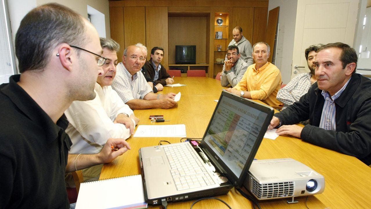Una reunión de la directiva del grupo de desarrollo rural, en una imagen de archivo