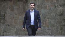 Hace un año que Gonzalo Caballero fue proclamado candidato a la presidencia de la Xunta en unas primarias en las que no tuvo rival. El BNG y el PP pretenden cumplir este trámite en los próximos meses, pero, de momento, Caballero es el único aspirante