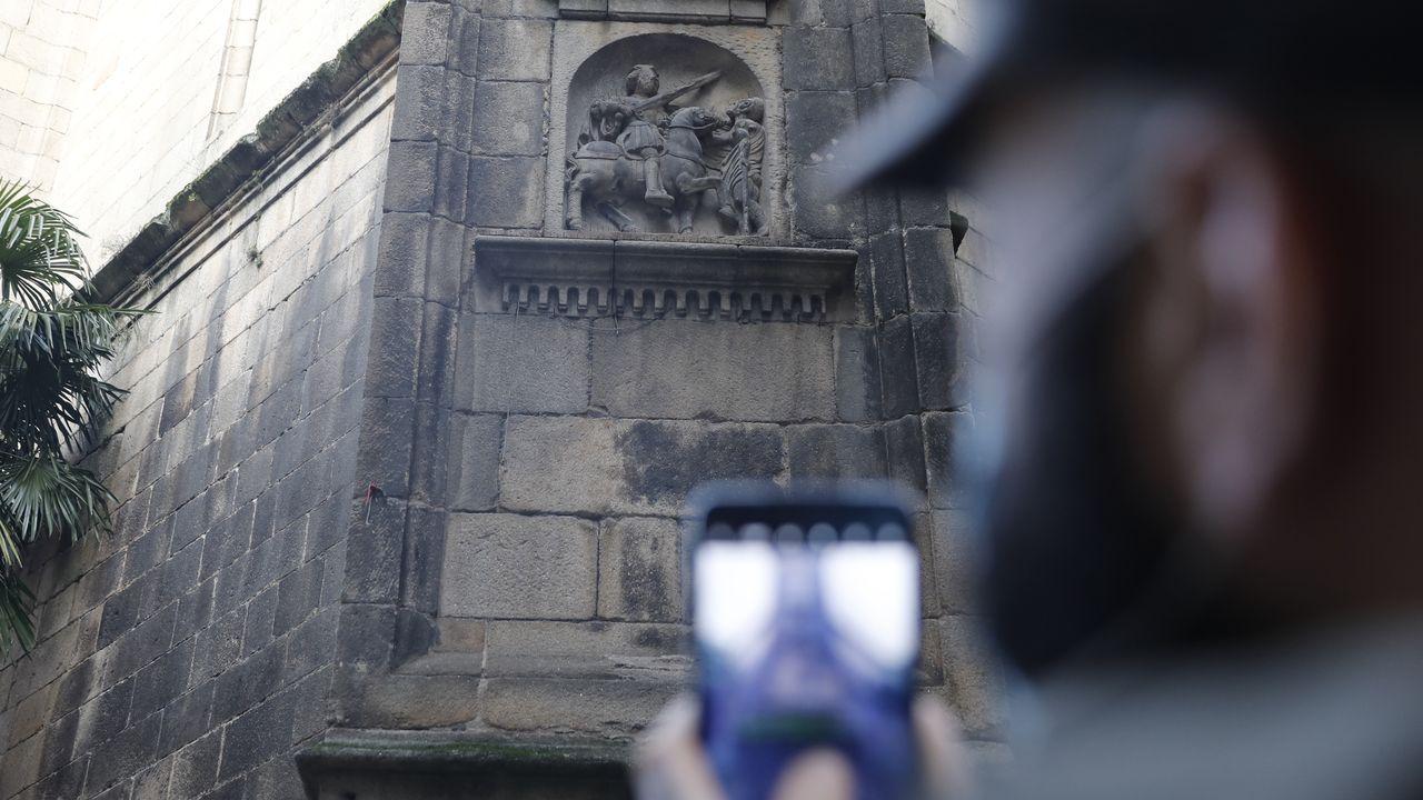 Uno de los mayores secretos artísticos de la capital es esta escultura de San Martiño