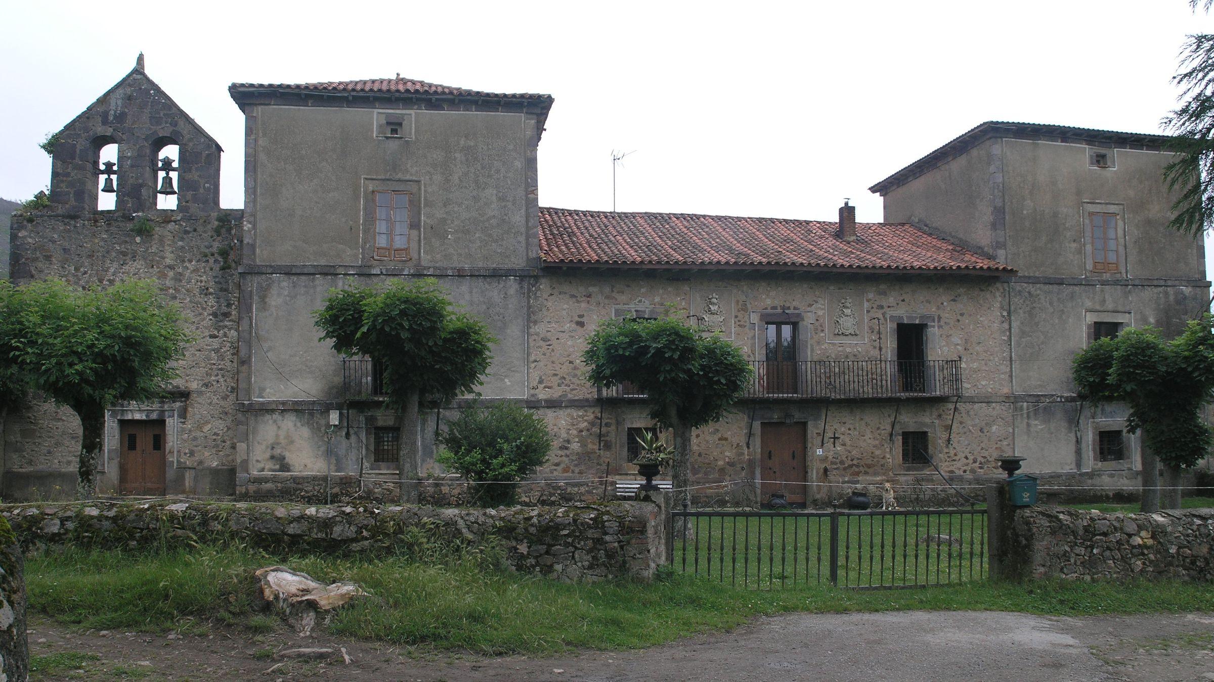 Palacio de Llamas del Mouro