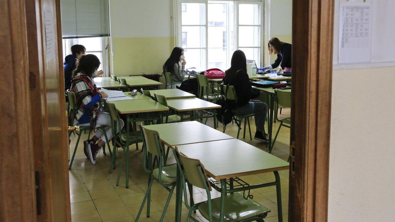 No corazón do Arquivo de Galicia.Alumnos de bachillerato en un instituto de Lugo