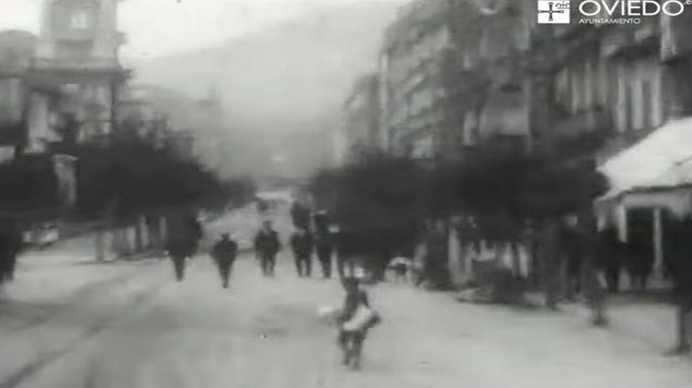 «Un Paseo Por Oviedo 1922»