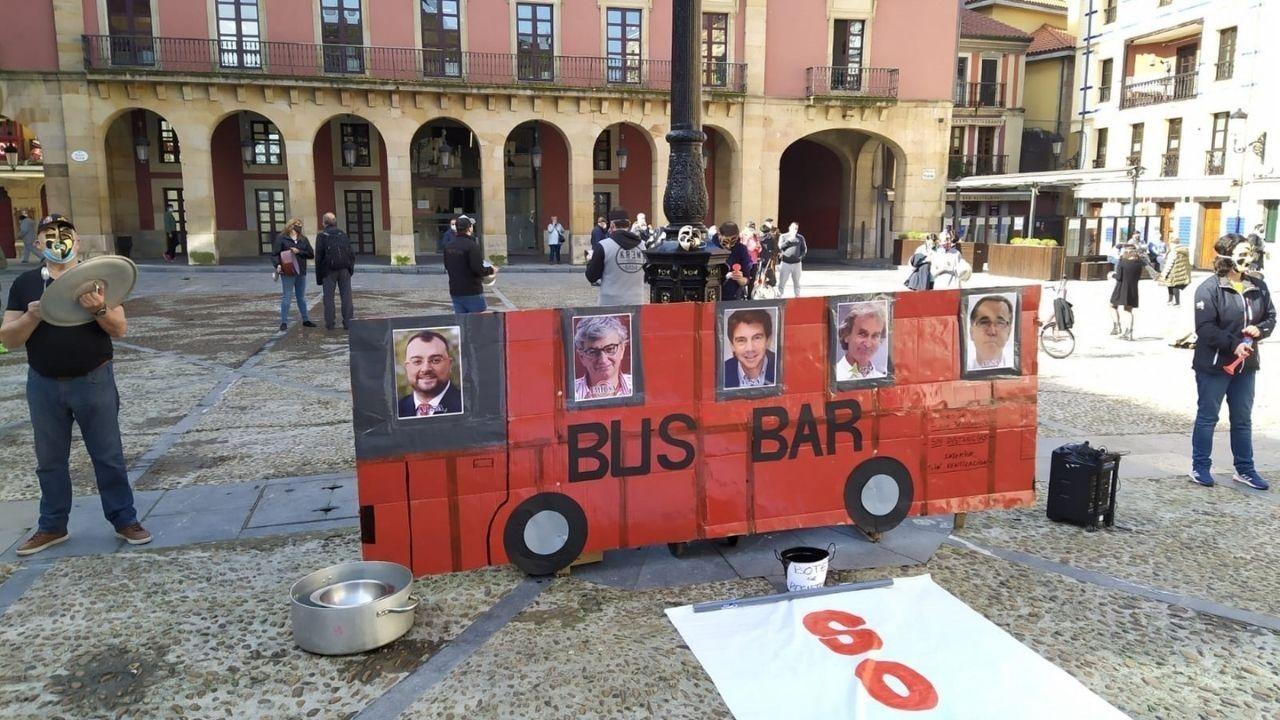 BusBar de Hostelería Con Conciencia frente al Ayuntamiento