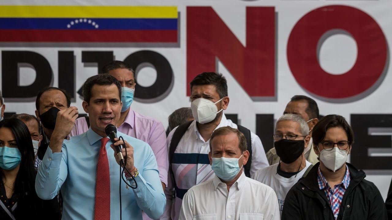Rangel, junto a Hugo Chávez, durante un acto de celebración por el día de la independencia