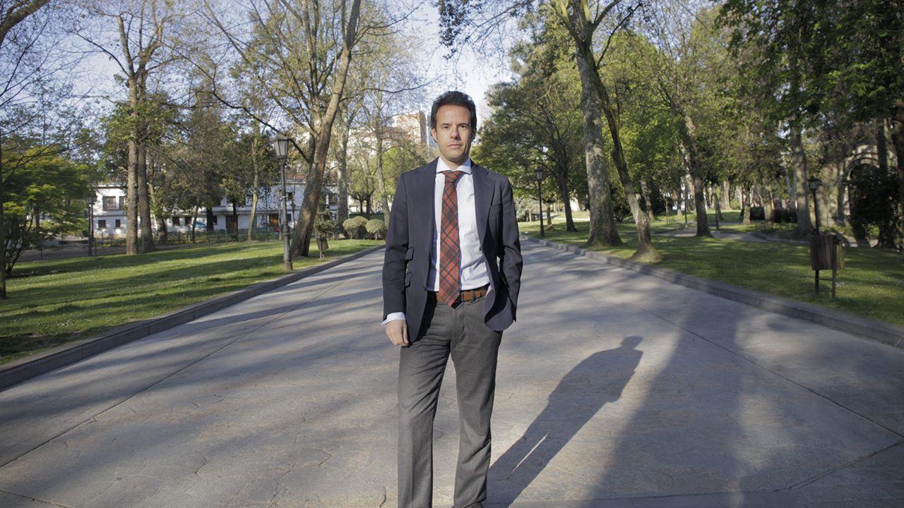 La autovía de Santiago a Lavacolla clama por una reforma.Ignacio Cuesta, candidato de Ciudadanos a la alcaldía de Oviedo