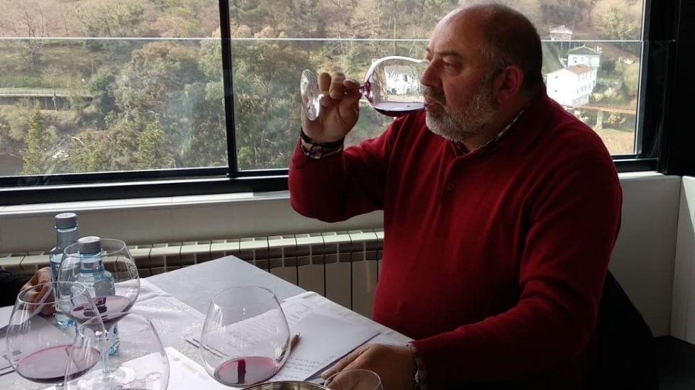 Waldo Carreiras, en una cata de calificación de los vinos de Ribeira Sacra