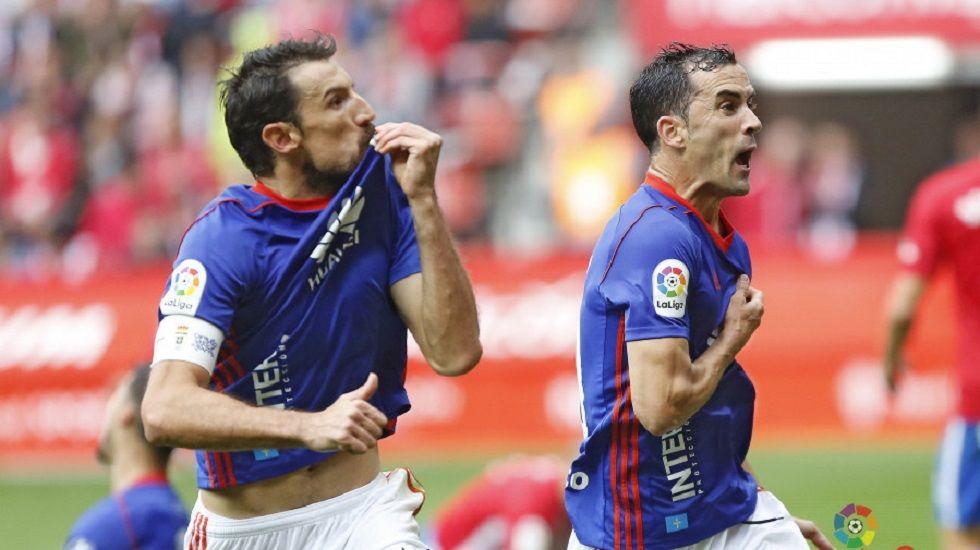 Toché y Linares celebran el 1-1