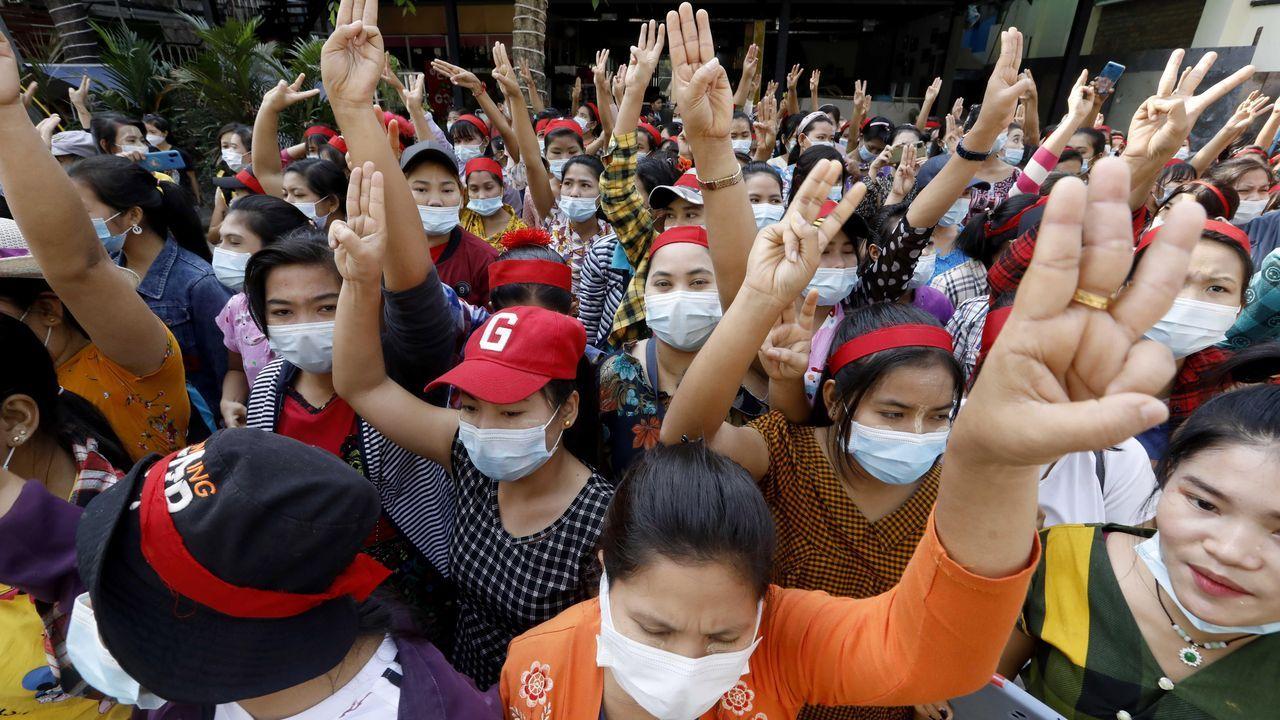 Manifestación pacífica en Myanmar, Birmania
