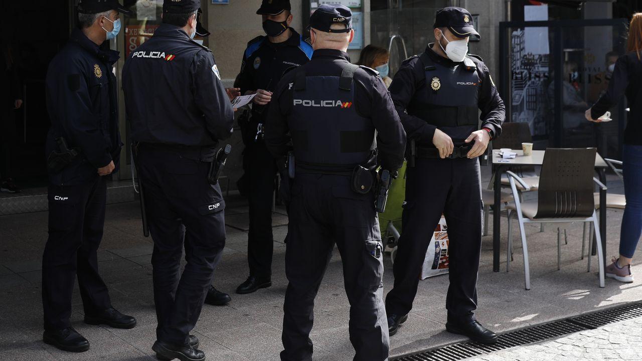 Seis detenidos en una operación contra una banda de robos en Ourense.La escuela infantil de O Barco está siendo objeto de obras de ampliación