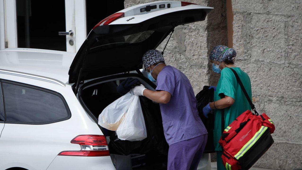 Los sanitarios del Sergas realizaron esta mañana pruebas PCR a los 24 jugadores del equipo madrileño que se encuentran en el interior del hotel coruñés NH Finisterre
