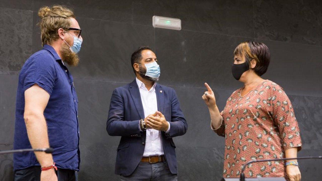 Maiorga Ramírez (EH Bildu), Ramón Alzórriz (PSN) y Ainhoa Aznárez (Podemos-Ahal Dugu), durante la Junta de Portavoces de este lunes en la cámara foral