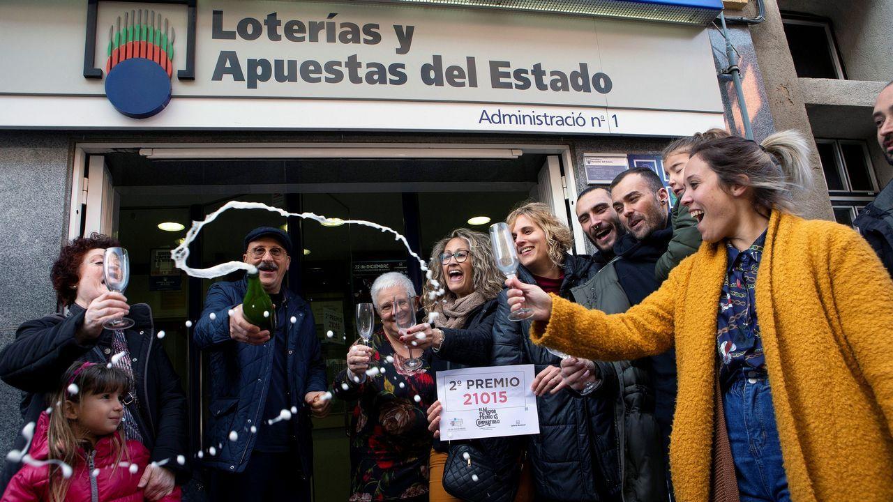 La administración de lotería número 1 de Castellbisbal (Barcelona) ha venido en ventanilla una serie del segundo premio del sorteo extraordinario de la lotería de Navidad, que ha correspondido al número 21.015, dotado con 1.250.000 euros a la serie.