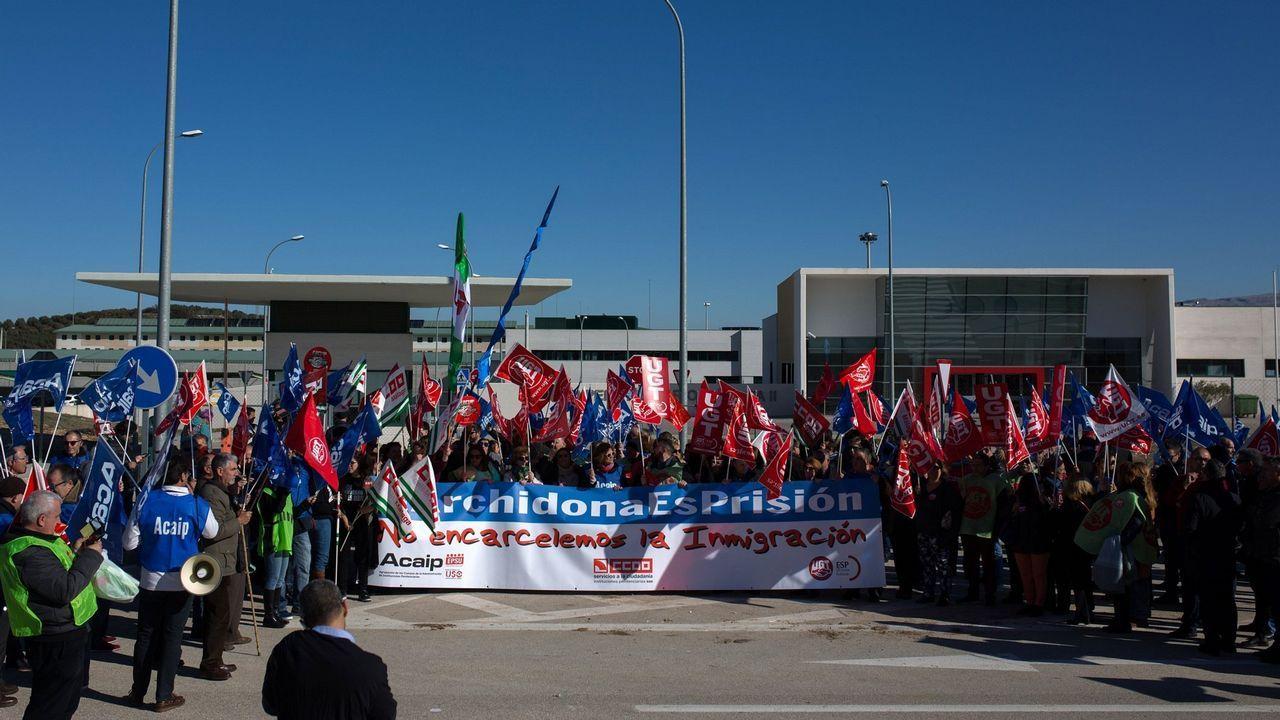 Un grupo de jóvenes extranjeros en Melilla