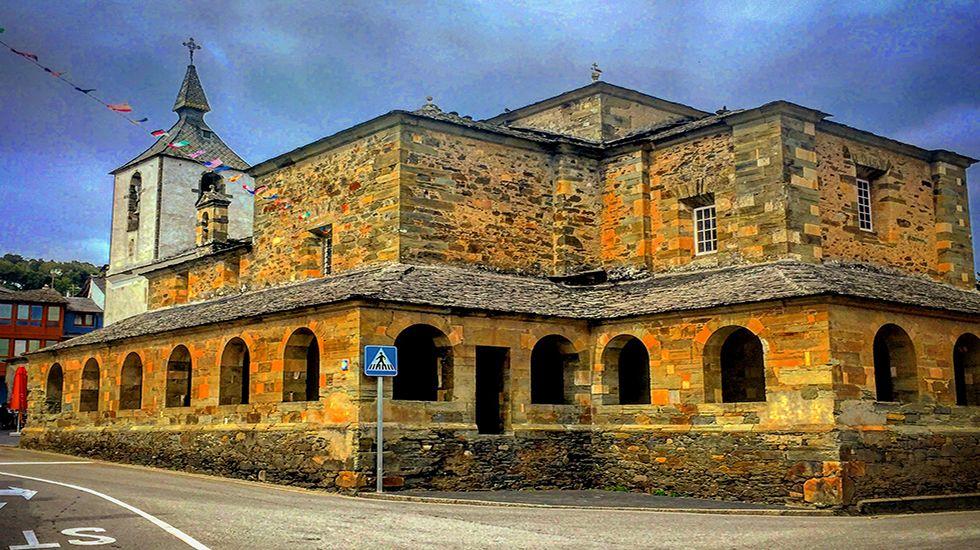 Iglesia, antigua Colegiata, de San Salvador (Grandas de Salime).