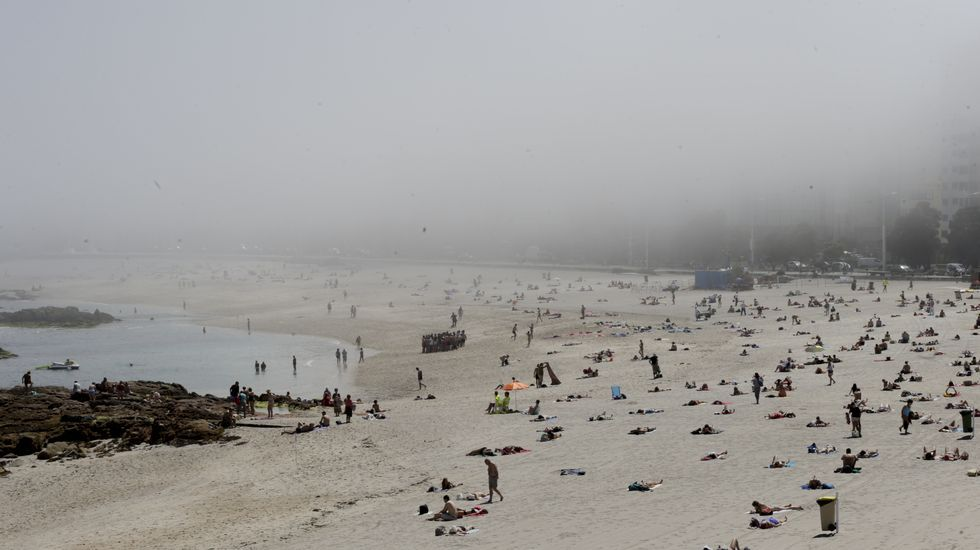 Niebla en la playa de Riazor