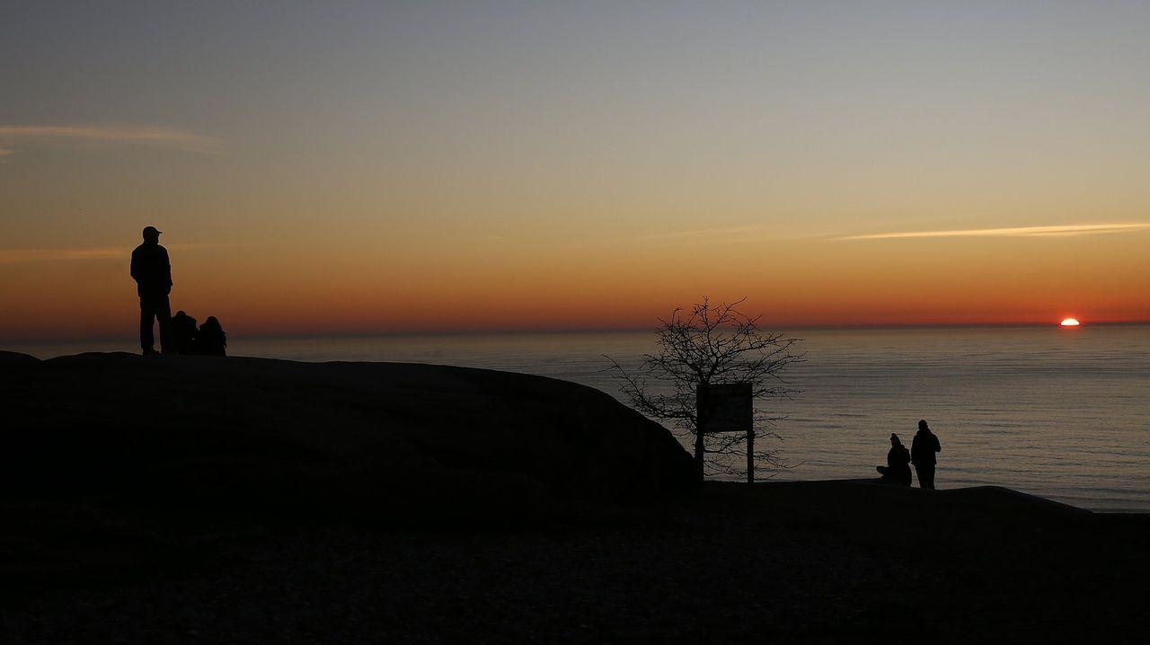Puesta de sol captada desde el mirador de Pedra da Ra, en Ribeira