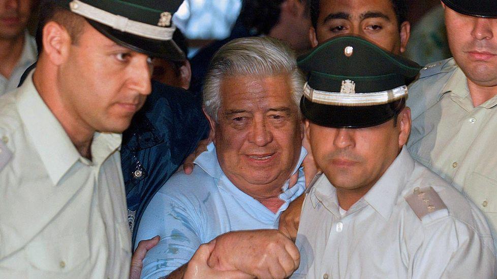 Sebastián Piñera, presidente de Chile.Manuel Contreras, en el centro, yendo a declarar en el 2005