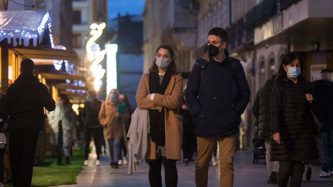 Ambiente el día previo a Nochebuena en Lugo