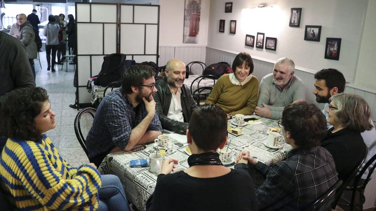 La normalidad del 10N en Santiago.Celebraciones en la sede del BNG en Santiago