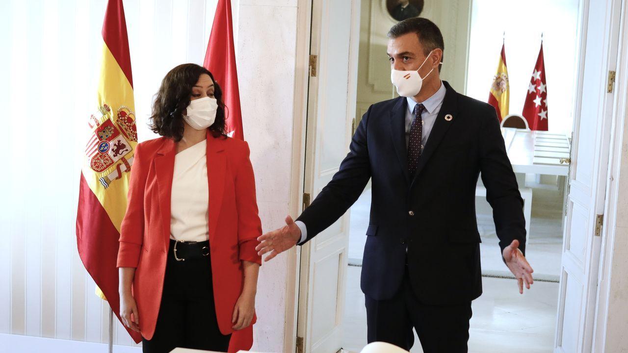 Ayuso y SáncheAyuso y Sánchez antes de su reunión