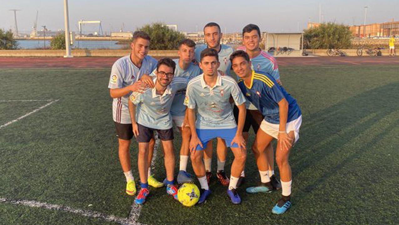 Iker, con sus amigos Edgar, Christian, Javi, Alberto, Raúl y Pablo