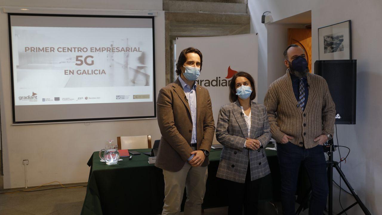 Mi 11 Lite 5G: potente y ultrafino.Los responsables de Gradiant junto a la directora de la Axencia Galega de Innovación en el acto de presentación del centro