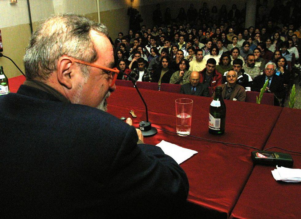 El filósofo dio una charla en el IES Alfredo Brañas