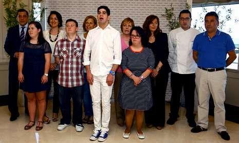 Luis Moya acompañó a Manuel Guisande, a ras, en la presentación de su libro.