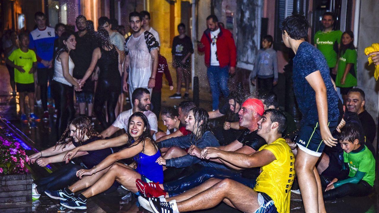 Así fue la traca final de las fiestas del Carme de Porto do Son.Castiñeiras es un caso paradigmático, ya que ha duplicado población en diez años.