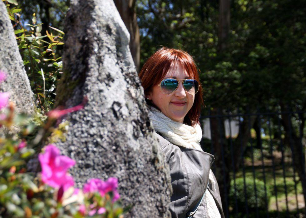 «Sin mis manos».<span lang= gl >Luisa Rodríguez destaca a capacidade dos monitores da entidade para chegar aos usuarios. </span>