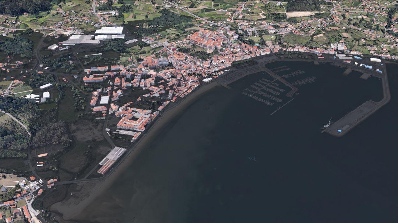 En el estudio de Afundación se prevé que en el año 2100 el agua cubra todos los muelles pobrenses, además de la playa de Os Areos y los jardines Valle-Inclán