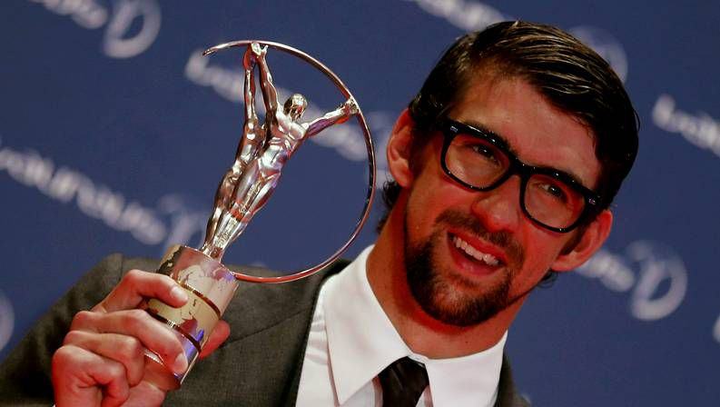 España - Italia, la previa.Michael Phelps, con el premio Laureus del 2013
