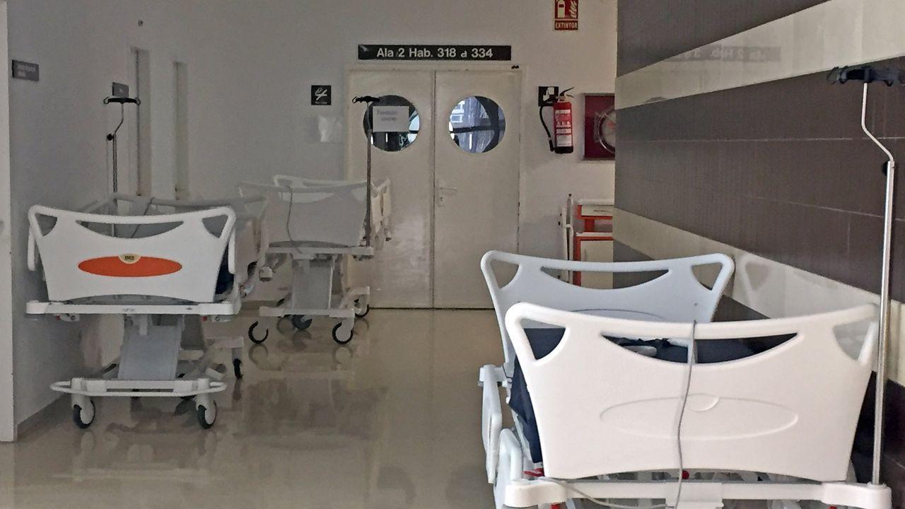 La última hora en un centro de vacunación masiva.En Galicia es obligatorio usar mascarilla en espacios públicos, incluso cuando se hace deporte en solitario.